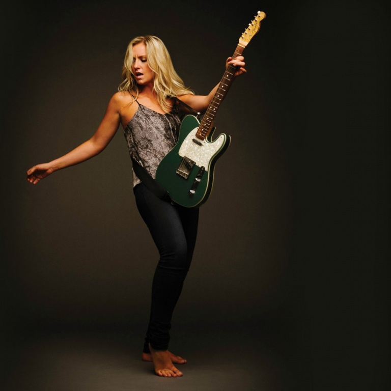 Clare Dunn - CountryMusicRocks.net