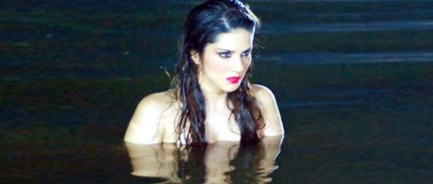 sunny get a dip in the lake for the sensual look