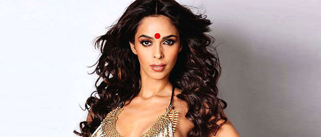 Mallika Sherawat trying to gain publicity by dragging Sunny Leone in a controversy