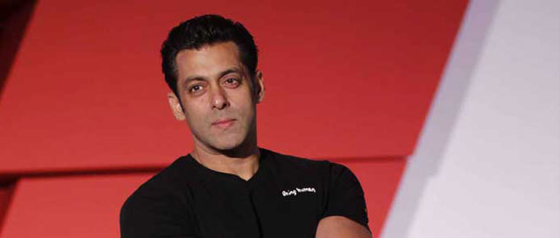 Is Salman Khan feeling lonely this Christmas?