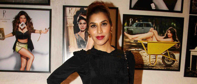actress sophie choudry rejects bigg boss
