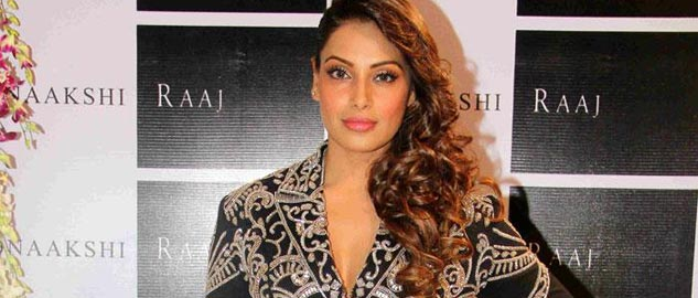 Bipasha Basu at a designer store launch