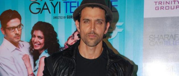 Hrithik spotted at the premiere of 'Sharafat Gayi Tel Lene'