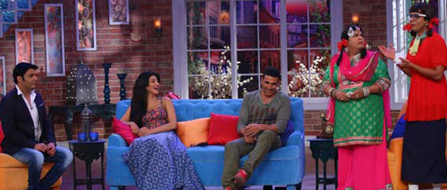 Akshay Kumar and Shruti Haasan promote Gabbar Is Back on Comedy Nights With Kapil