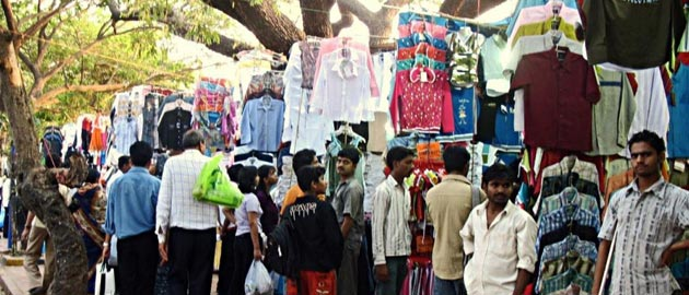 Amazing Places For Street Shopping in Mumbai