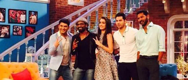 'Comedy Nights With Kapil' celebrates its 2 Years completion with ABCD 2 team!