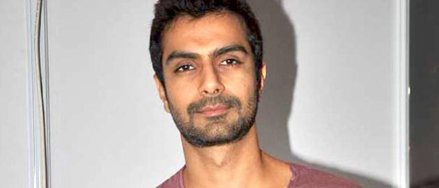 Bollywood actor Ashmit Patel to Debut in Marathi Films with Ek thriller Night!