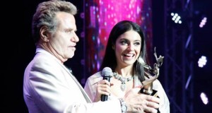Divya Khosla Kumar honored at the FOG Awards 2015