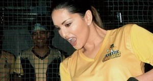 Sunny Leone unveils her cricket team Chennai Swaggers