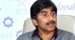 Javed Miandad Slams Shahid Afridi for 'Loved in India' Comment; Lawyer Files Case Too