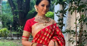 Helly Shah carries the royal Kanjeevaram saree with grace & perfection; reminds of actress Rekha