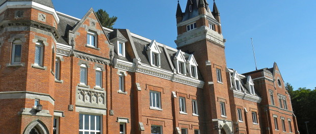 Bishop's University's McGreer Hall, one of the main buildings on campus. Photo credit: JasonParis/Flickr