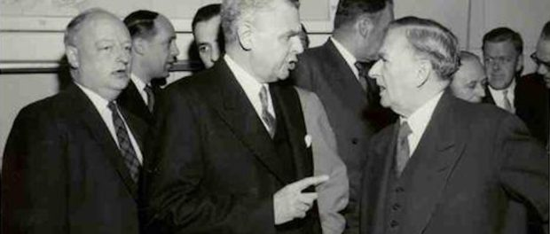 John Diefenbaker and Maurice Duplessis have a friendly chat. Source: University of Saskatchewan, reference code: JGD/MG01/XVII/JGD 451.