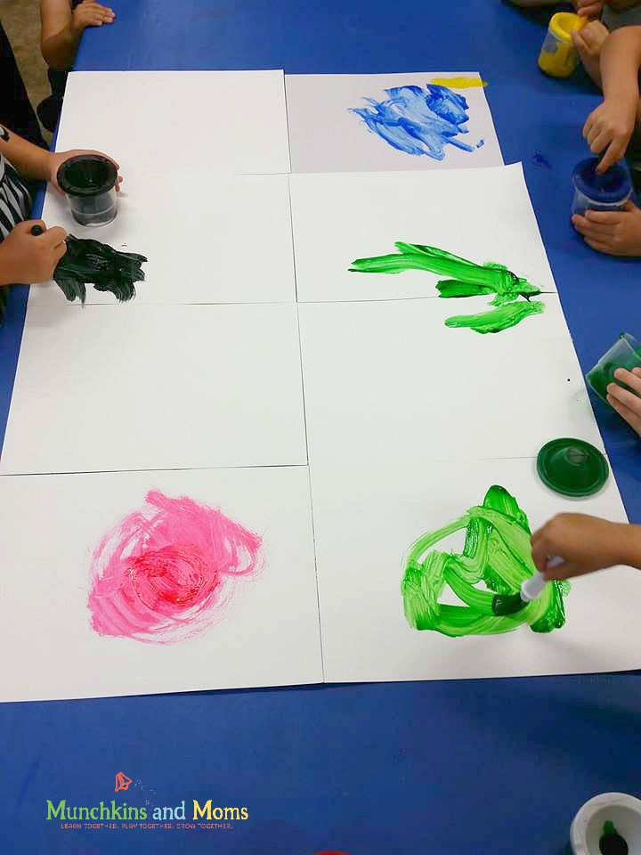 Friendship art- a beautiful collaborative art project for preschoolers!