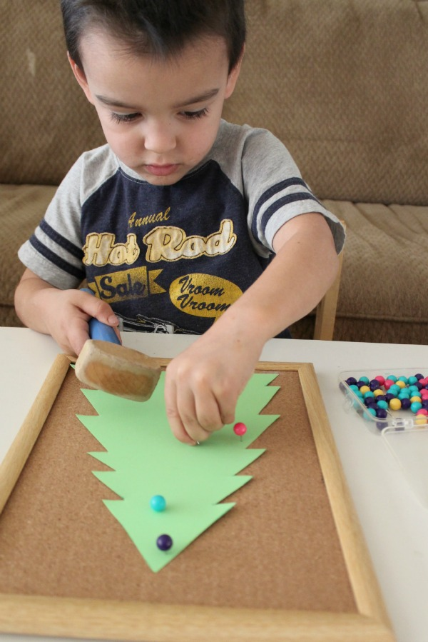 Christmas Tree activity for preschoolers!
