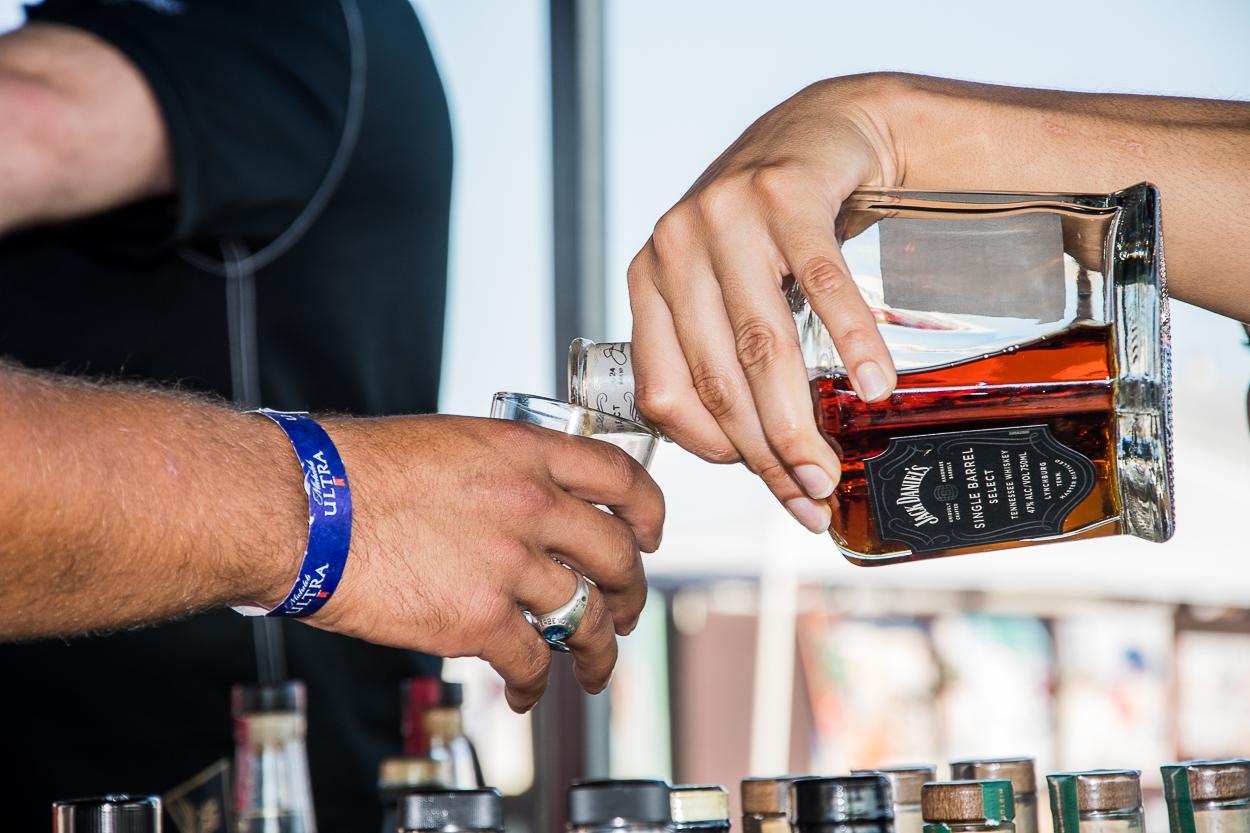 whiskey-pour
