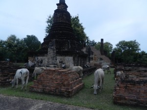 Wat Chedi Si Hong, Sukhothai, Thailand.