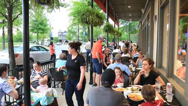 Front Porch offers Southern food, pizza