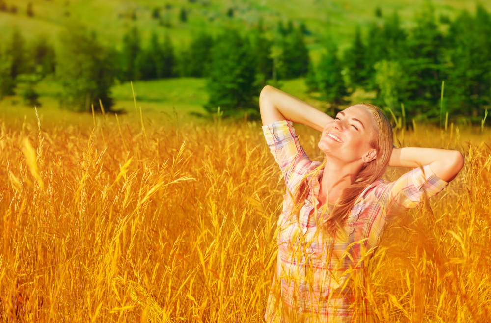 Dr. Tavoussi - Is Autumn the Ideal Season for Cosmetic Surgery?