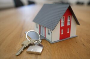 toy house on keychain