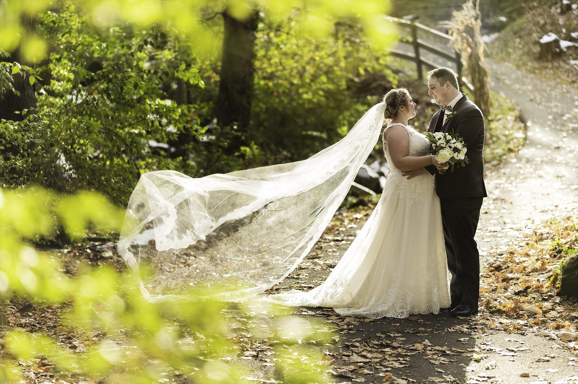 Westside Irish American Club | Cleveland Wedding Photographer | Emily and Taylor