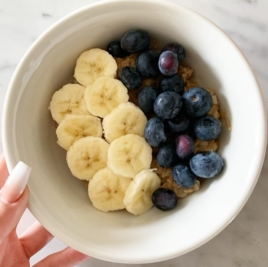 BEST YUMMY HEALTHY BREAKFAST: BANANA COOKIE OATMEAL BLUEBERRIES