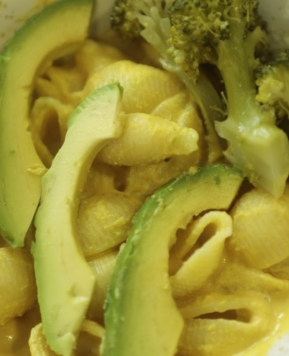 Vegan Broccoli Cheese Pasta