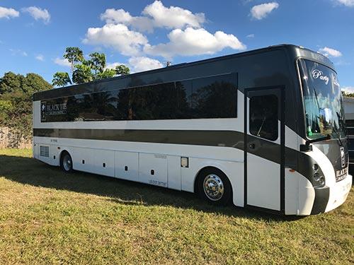 party bus rental 35 passengers