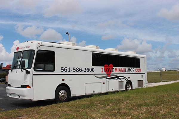 Party Bus Miami Exterior