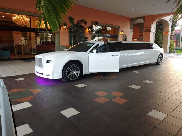 bachelor & bachelorette party limo Miami