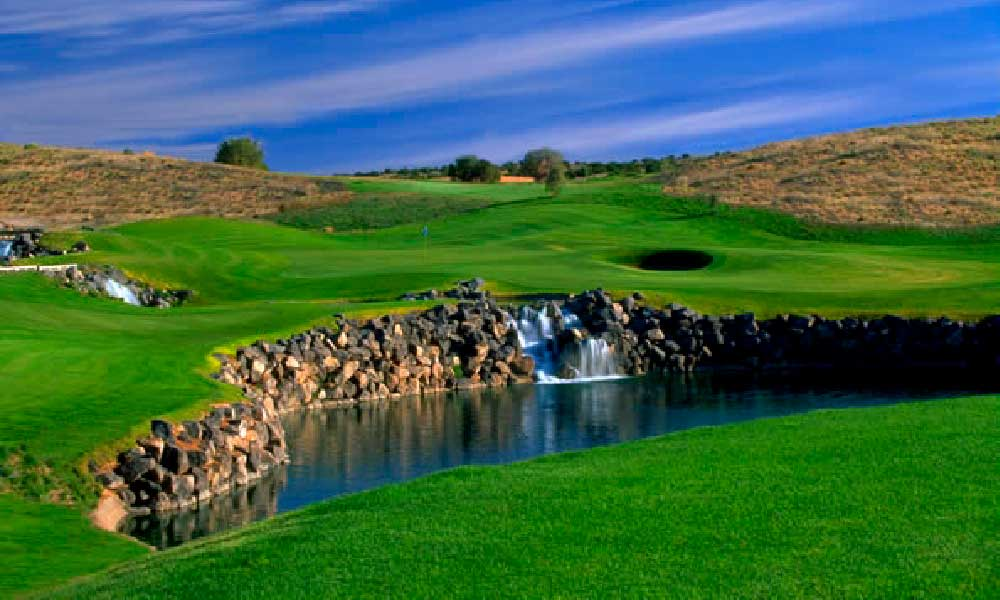 Signature 4th Hole at Twin Warriors