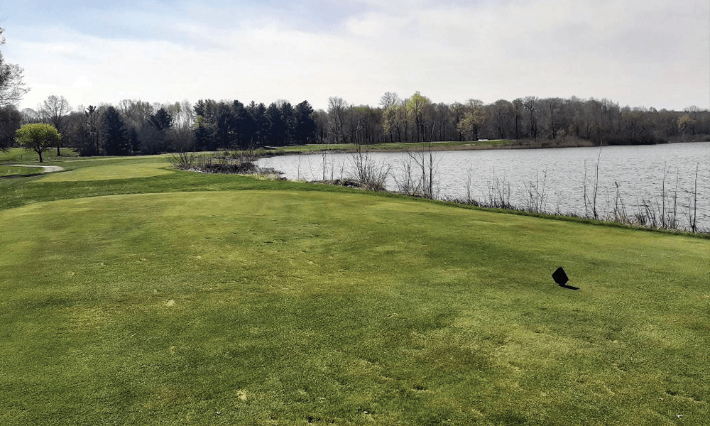 THE PAR-4 FOURTH AT FOWLER'S MILL IN OHIO. DYE ALWAYS LOVED A CAPE HOLE