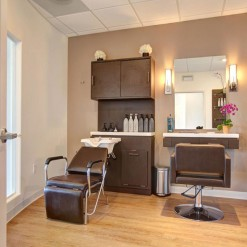 Regency Salon Single Studio