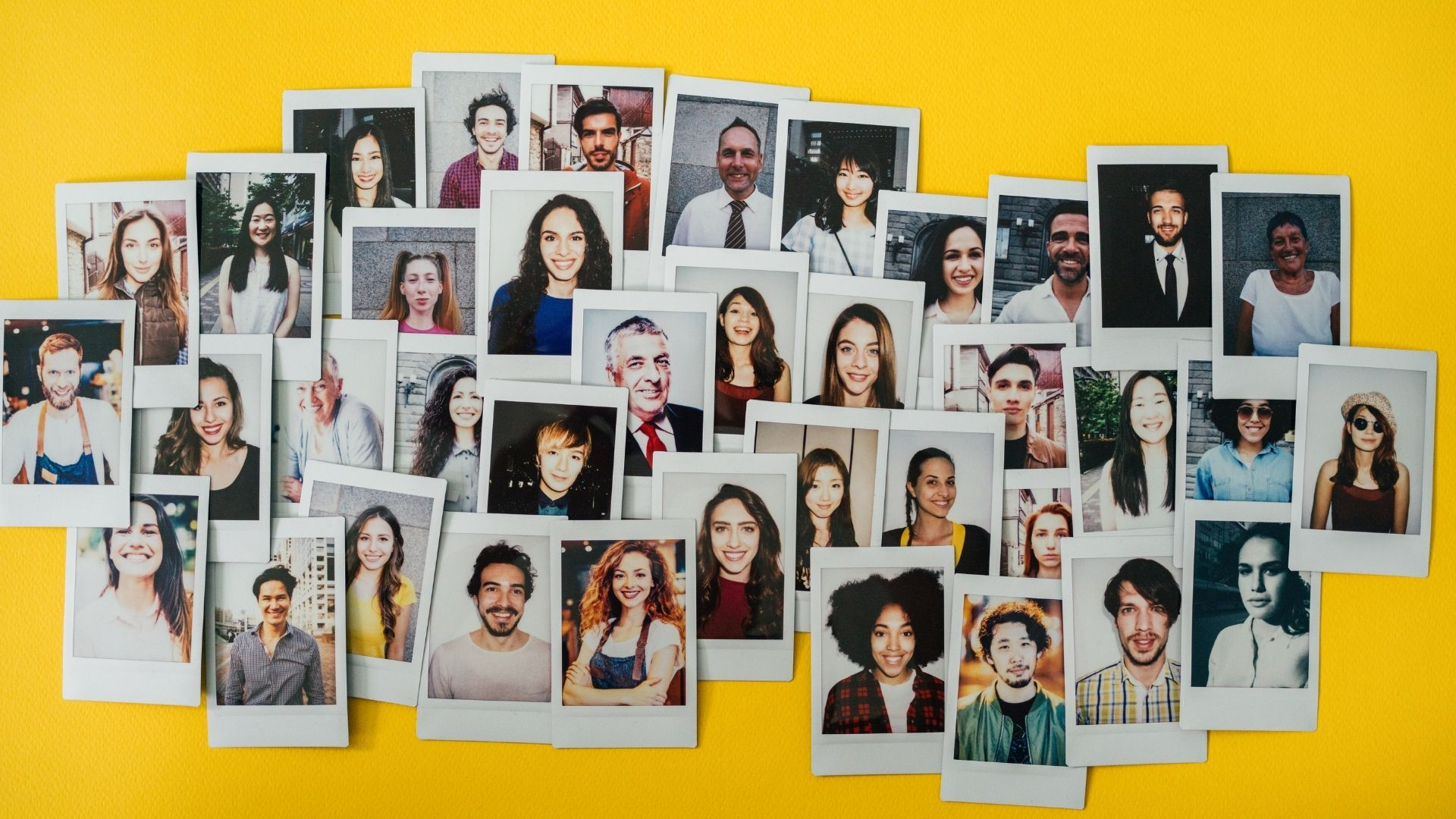 Illustrate of smiling faces to illustrate how to create a welcoming HR department.