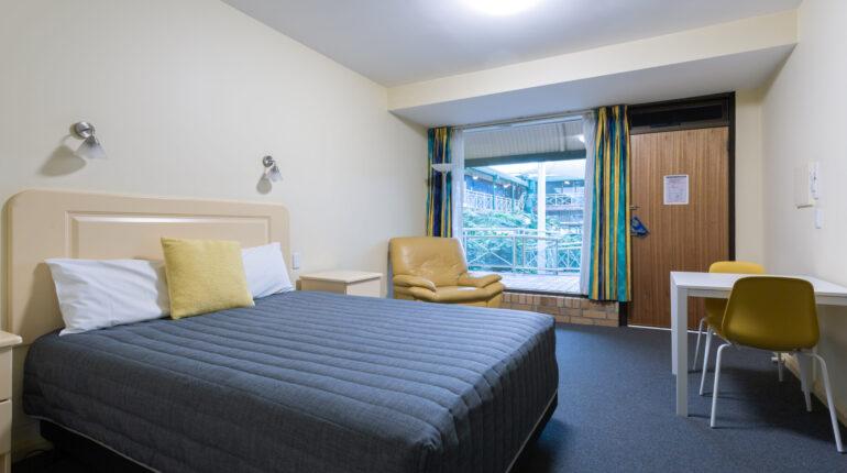 Standard Double Bedroom2