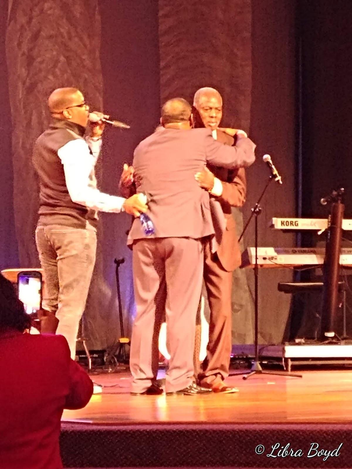 Melvin Williams hugs Lee