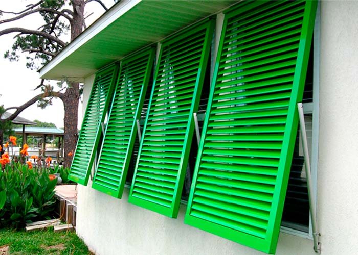 metal-shutters-painting