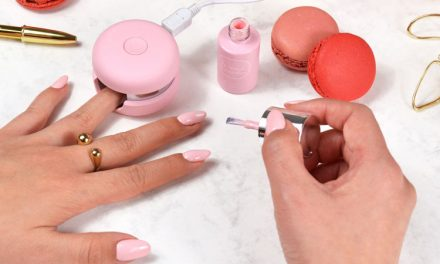 The Inventors: Le Mini Macaron Gel Manicure Set