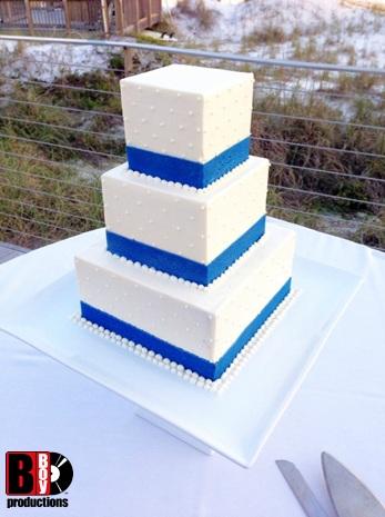 Hilton Sandestin Wedding Cake DJ