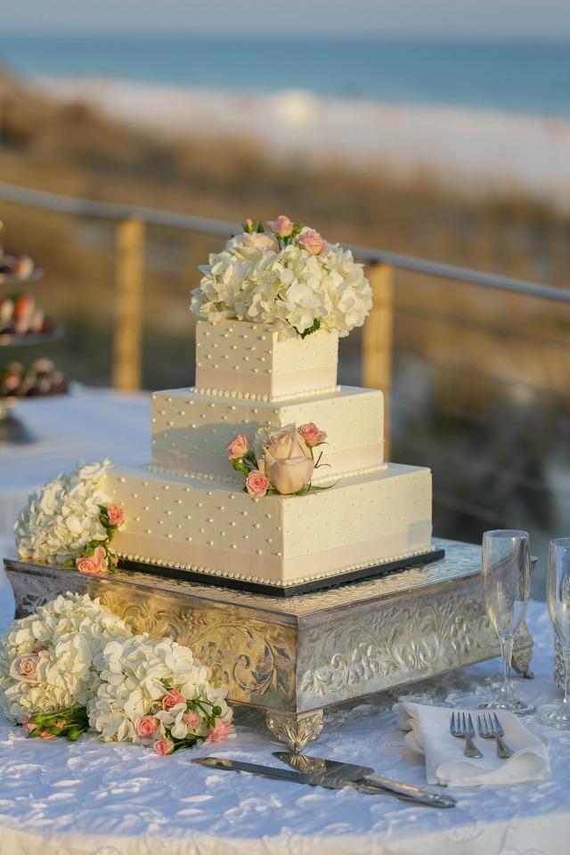 Hilton Sandestin Wedding Cake