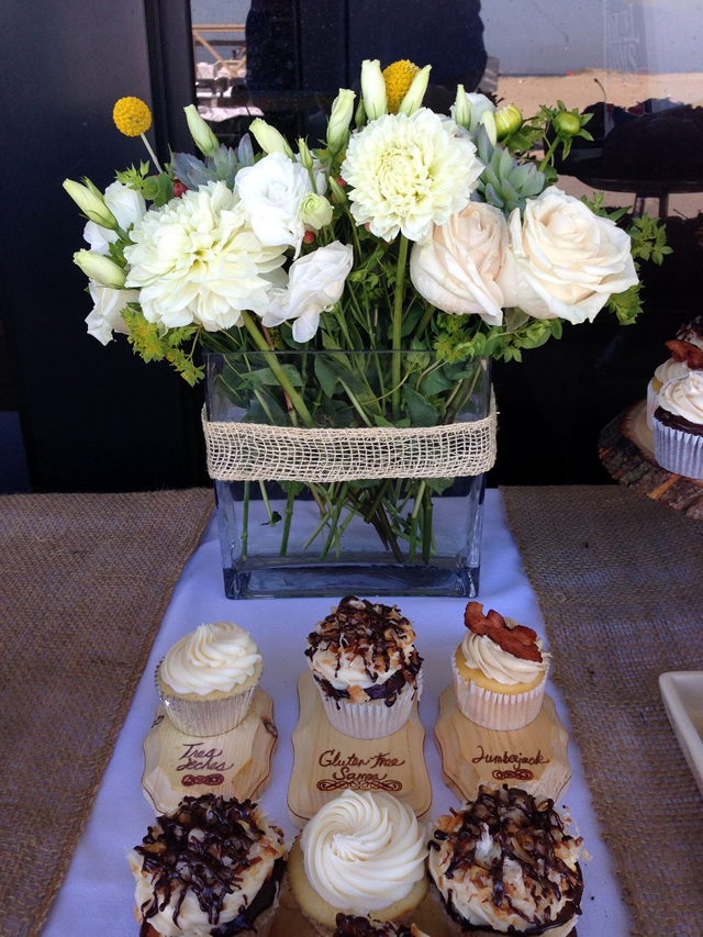And an equally trendy cupcake station – with gluten free option!