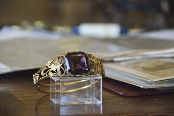 An amethyst and gold bracelet once owned by Martha Washington, wife of the first president of the United States, is part of an estate inherited by a local family.