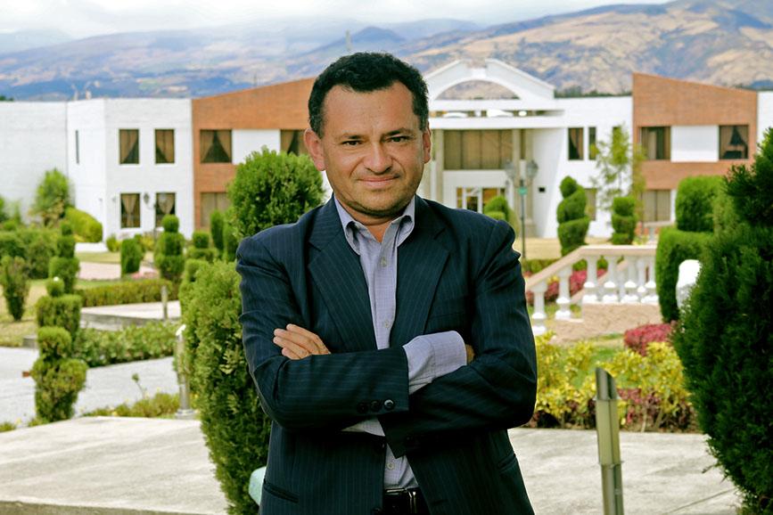 Dr. Yattenciy Bonilla