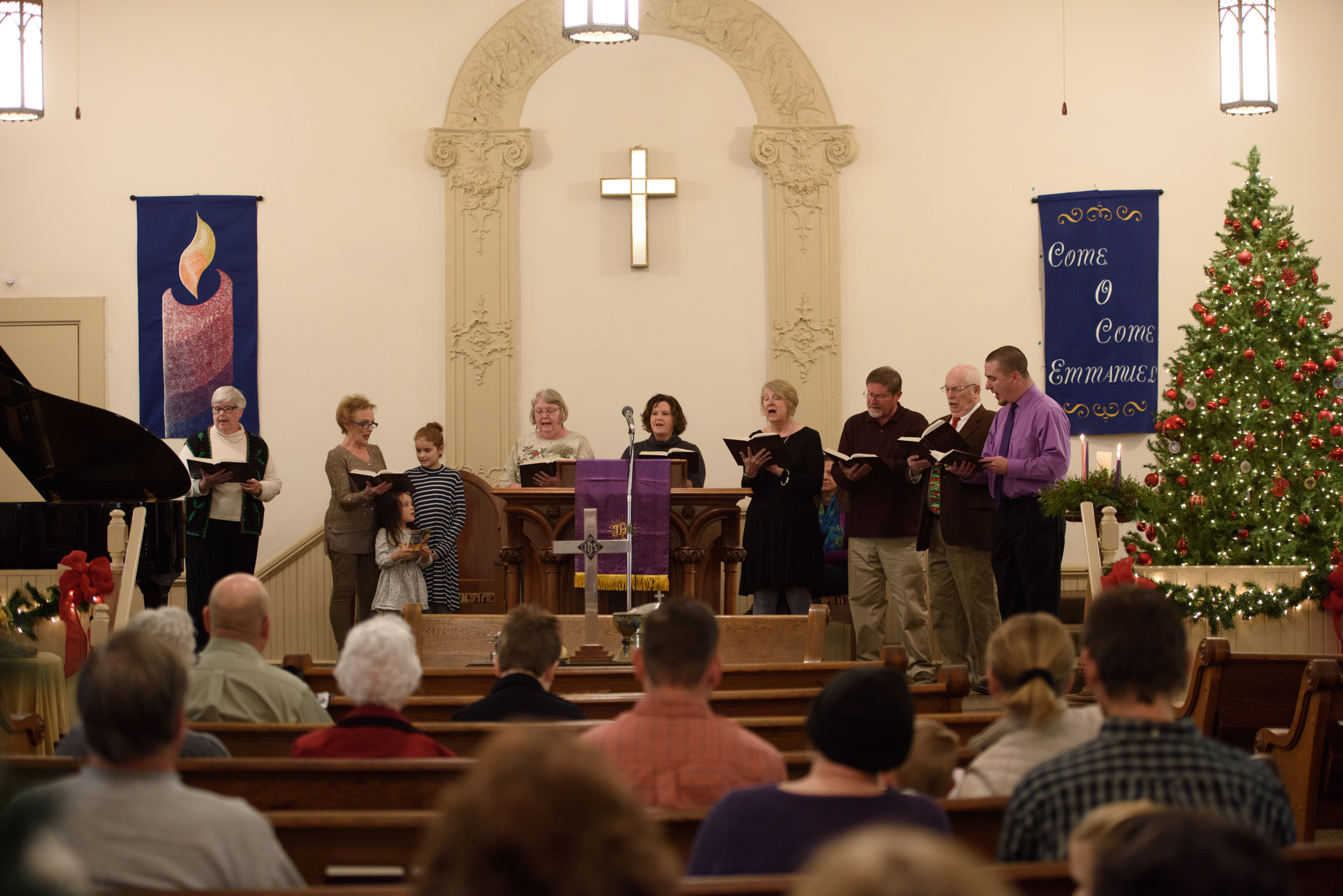 Some of the fine singers at Oxford Christian Church lifting their voices in praise.