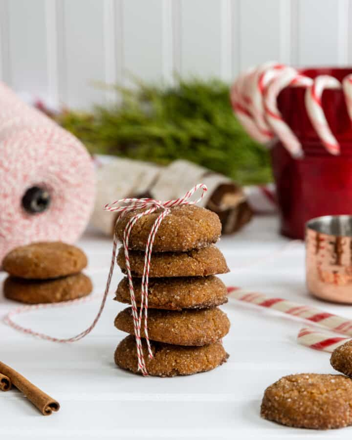 Vegan Gingersnap Cookies tied up with Ribbon