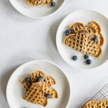 Easy Oat Waffles with Fresh Blueberries
