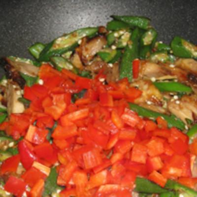 Okrahoma Chicken Stir Fry