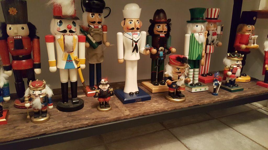 my-thrifty-house-christmas-house-tour-nutcrackers
