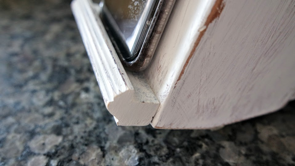 DIY Painted Knife Block with Phone Ledge