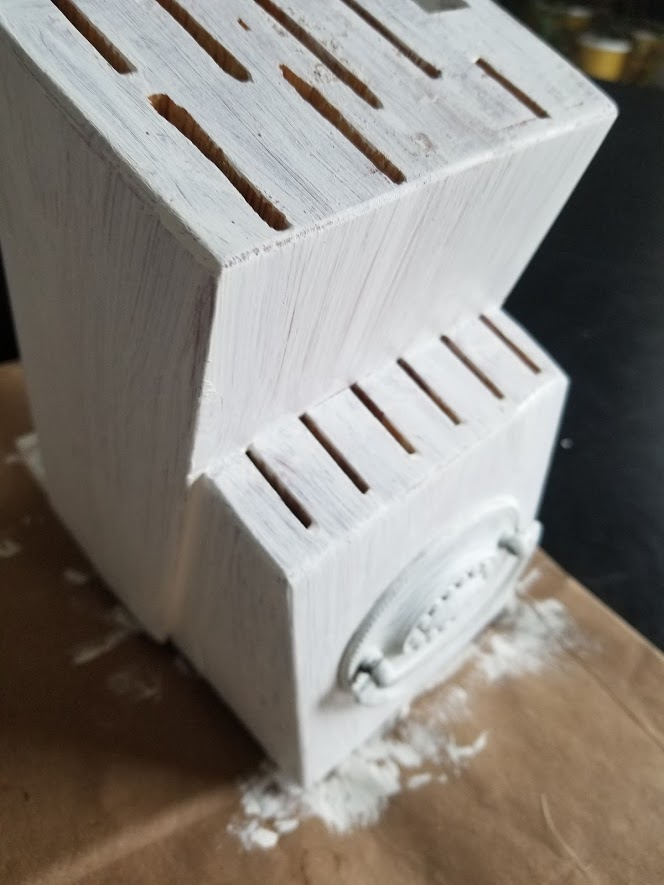 DIY Painted Knife Block with one coat of chalk paint